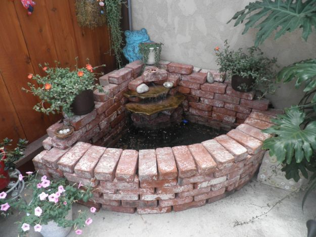 DIY Ideas With Bricks - Brick Waterfall - Home Decor and Creative Do It Yourself Projects to Make With Bricks - Ideas for Patio, Walkway, Fireplace, Firepit, Mantle, Grill and Art - Inexpensive Decoration Tutorials With Step By Step Instruction for Brick DIY http://diyjoy.com/diy-ideas-bricks