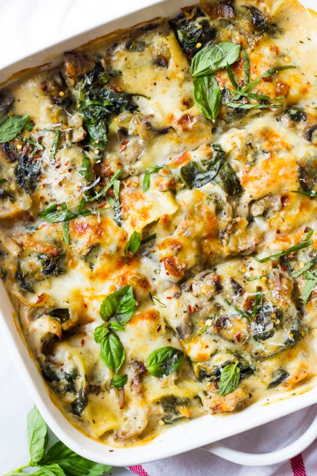 Best Casserole Recipes - Chicken Mushroom and Spinach Lasagna - Healthy One Pan Meals Made With Chicken, Hamburger, Potato, Pasta Noodles and Vegetable - Quick Casseroles Kids Like - Breakfast, Lunch and Dinner Options - Mexican, Italian and Homestyle Favorites - Party Foods for A Crowd and Potluck Dishes http://diyjoy.com/best-casserole-recipes