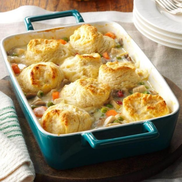 Best Casserole Recipes - Chicken Potpie Casserole - Healthy One Pan Meals Made With Chicken, Hamburger, Potato, Pasta Noodles and Vegetable - Quick Casseroles Kids Like - Breakfast, Lunch and Dinner Options - Mexican, Italian and Homestyle Favorites - Party Foods for A Crowd and Potluck Dishes #recipes #casseroles
