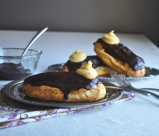 Chocolate Desserts and Recipe Ideas - Chocolate Eclair Dessert - Easy Chocolate Recipes With Mint, Peanut Butter and Caramel - Quick No Bake Dessert Idea, Healthy Desserts, Cake, Brownies, Pie and Mousse - Best Fancy Chocolates to Serve for Two
