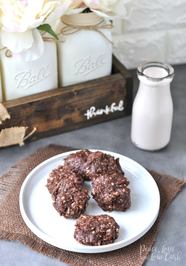 Keto Snacks - Chocolate Peanut Butter Keto No Bake Cookies - Keto Snack Recipes and Easy Low Carb Foods for the Ketogenic Diet On the Go - Quick Things to Eat for Snacking on Keto - Crunchy Chips, Late Night, Simple Ideas for Work, Sweet Treats and Store Bought Things to Buy for Travel http://diyjoy.com/keto-snacks