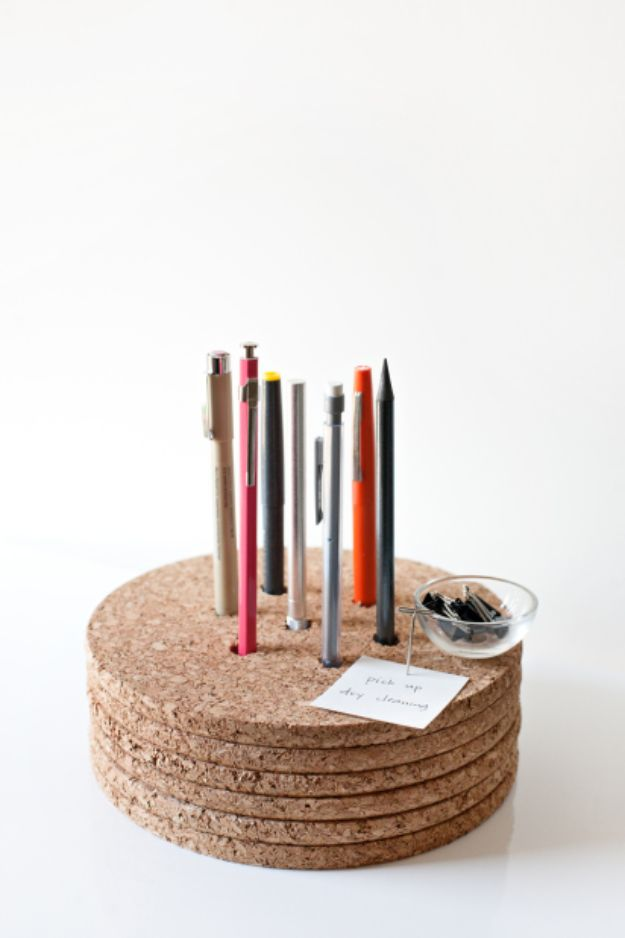 Organizing Ideas for Your Life - Cork Pencil Holder - Easy Crafts and Cool Ideas for Getting Organized - Best Ways to Get Organized - Things to Make for Being More Efficient and Productive - DIY Storage, Shelving, Calendars, Planning #organizing