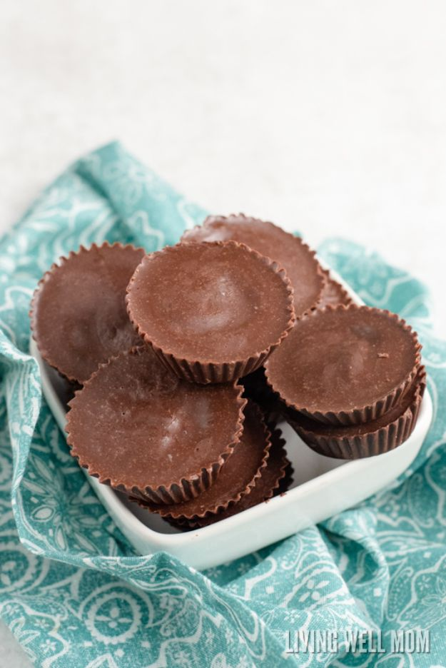 Keto Fat Bombs and Best Ketogenic Recipe Ideas to Make At Home - Craving Buster Fat Bombs - Easy Recipes With Peanut Butter, Cream Cheese, Chocolate, Coconut Oil, Coffee low carb fat bombs #keto #ketorecipes