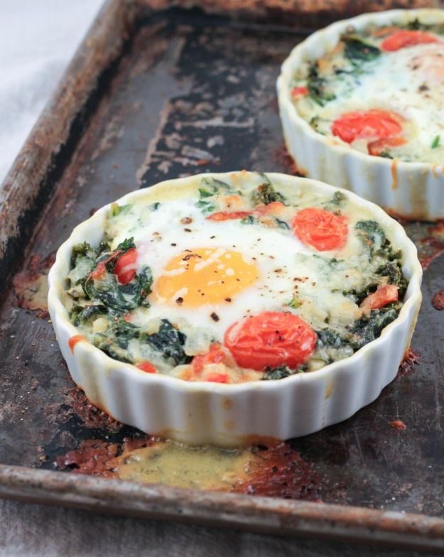 Keto Breakfast Recipes - Creamy Kale Baked Eggs - Low Carb Breakfasts and Morning Meals for the Ketogenic Diet - Low Carbohydrate Foods on the Go - Easy Crockpot Recipes and Casserole - Muffins and Pancakes, Shake and Smoothie, Ideas With No Eggs http://diyjoy.com/keto-breakfast-recipes
