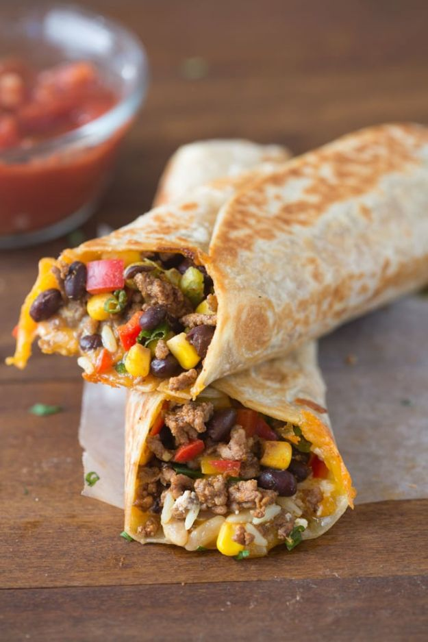 Easy Dinner Recipes - Crispy Southwest Wrap - Quick and Simple Dinner Recipe Ideas for Weeknight and Last Minute Supper - Chicken, Ground Beef, Fish, Pasta, Healthy Salads, Low Fat and Vegetarian Dishes - Easy Meals for the Family, for Two, for One and Cook Ahead Crockpoit Dinners - Cheap Casseroles and Budget Friendly Foods to Make at Home http://diyjoy.com/easy-dinner-recipes