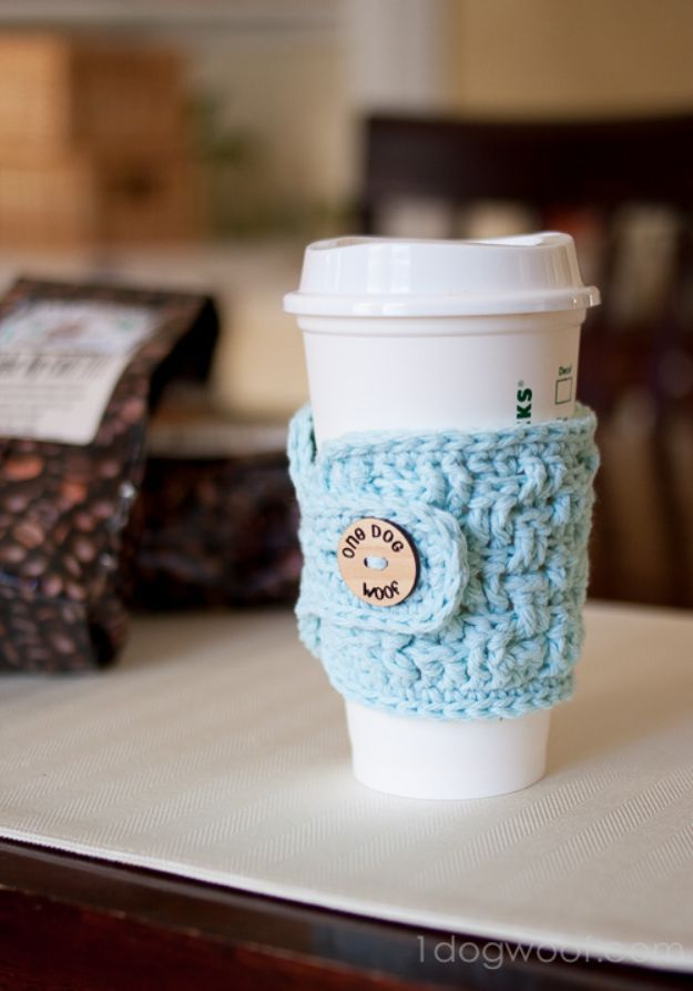 Cheap DIY Gift Ideas - Crochet Cup Cozy - List of Handmade Gifts on A Budget and Inexpensive Christmas Presents - Do It Yourself Gift Idea for Family and Friends, Mom and Dad, For Guys and Women, Boyfriend, Girlfriend, BFF, Kids and Teens - Dollar Store and Dollar Tree Crafts, Home Decor, Room Accessories and Fun Things to Make At Home #diygifts #christmas #giftideas #diy