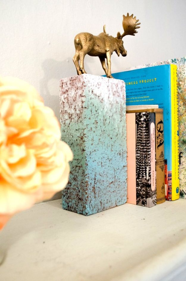 DIY Ideas With Bricks - DIY Gold Animal Bookends - Home Decor and Creative Do It Yourself Projects to Make With Bricks - Ideas for Patio, Walkway, Fireplace, Firepit, Mantle, Grill and Art - Inexpensive Decoration Tutorials With Step By Step Instruction for Brick DIY http://diyjoy.com/diy-ideas-bricks