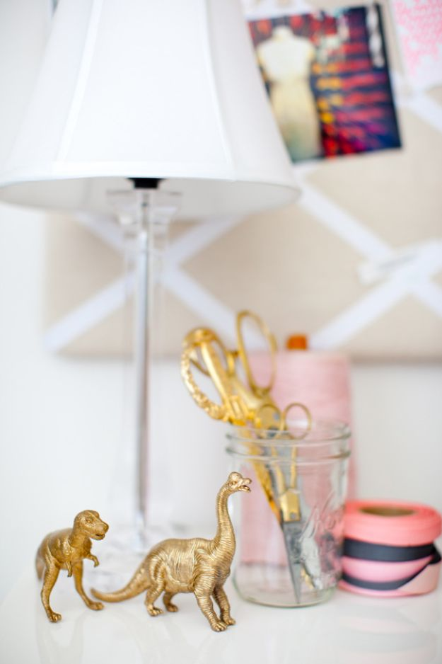 DIY Home Decor On A Budget - DIY Gold Animal Figurines - Cheap Home Decorations to Make From The Dollar Store and Dollar Tree - Inexpensive Budget Friendly Wall Art, Furniture, Table Accents, Rugs, Pillows, Bedding and Chairs - Candles, Crafts To Make for Your Bedroom, Pretty Signs and Art, Linens, Storage and Organizing Ideas for Apartments http://diyjoy.com/cheap-diy-home-decor