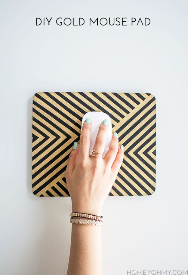 DIY Gift Ideas That Don't Cost Much to Make - DIY Gold Mouse Pad - DYI Office Decor - Handmade Christmas Gifts List