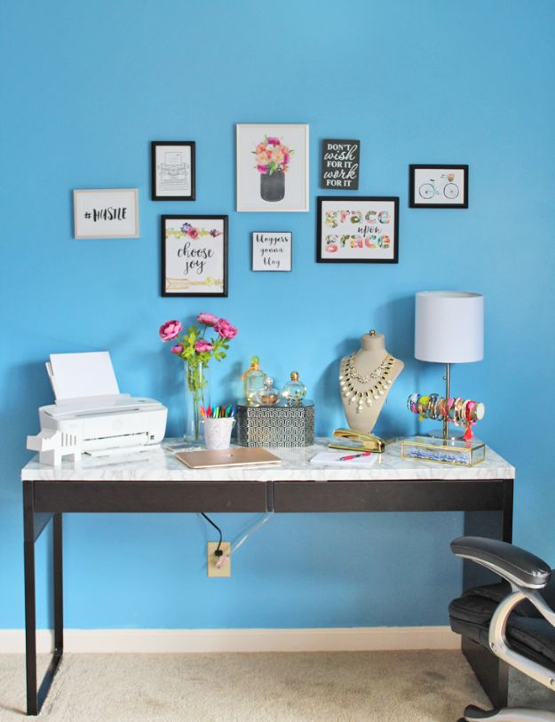 DIY Office Furniture - DIY Marble Desk Top - Do It Yourself Home Office Furniture Ideas - Desk Projects, Thrift Store Makeovers, Chairs, Office File Cabinets and Organization - Shelving, Bulletin Boards, Wall Art for Offices and Creative Work Spaces in Your House - Tables, Armchairs, Desk Accessories and Easy Desks To Make On A Budget #diyoffice #diyfurniture #diy #diyhomedecor #diyideas