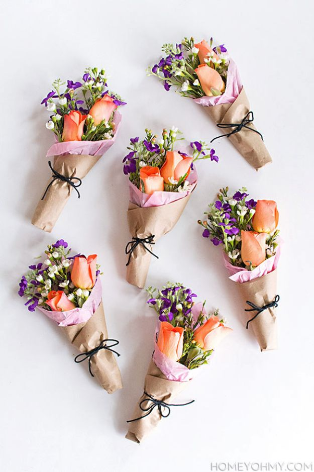 Cheap DIY Gift Ideas - DIY Mini Flower Bouquets - List of Handmade Gifts on A Budget and Inexpensive Christmas Presents - Do It Yourself Gift Idea for Family and Friends, Mom and Dad, For Guys and Women, Boyfriend, Girlfriend, BFF, Kids and Teens - Dollar Store and Dollar Tree Crafts, Home Decor, Room Accessories and Fun Things to Make At Home #diygifts #christmas #giftideas #diy
