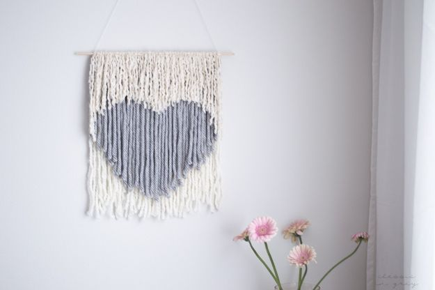 Dollar Tree Crafts - DIY No Weave Wall Hanging - DIY Ideas and Crafts Projects From Dollar Tree Stores - Easy Organizing Project Tutorials and Home Decorations- Cheap Crafts to Make and Sell #dollarstore #dollartree #dollarstorecrafts #cheapcrafts #crafts #diy #diyideas