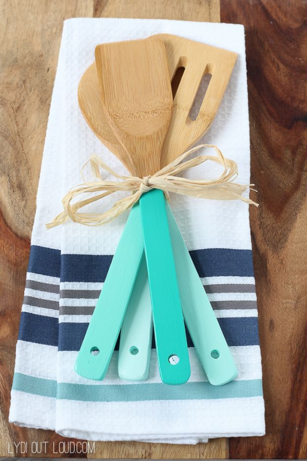 Low Cost DIY Gift Ideas for Neighbors- DIY Ombre Kitchen Utensils - Gift to Make For Mom - Easy Wedding Shower Gift Idea to Make -Dollar Store Crafts for Presents