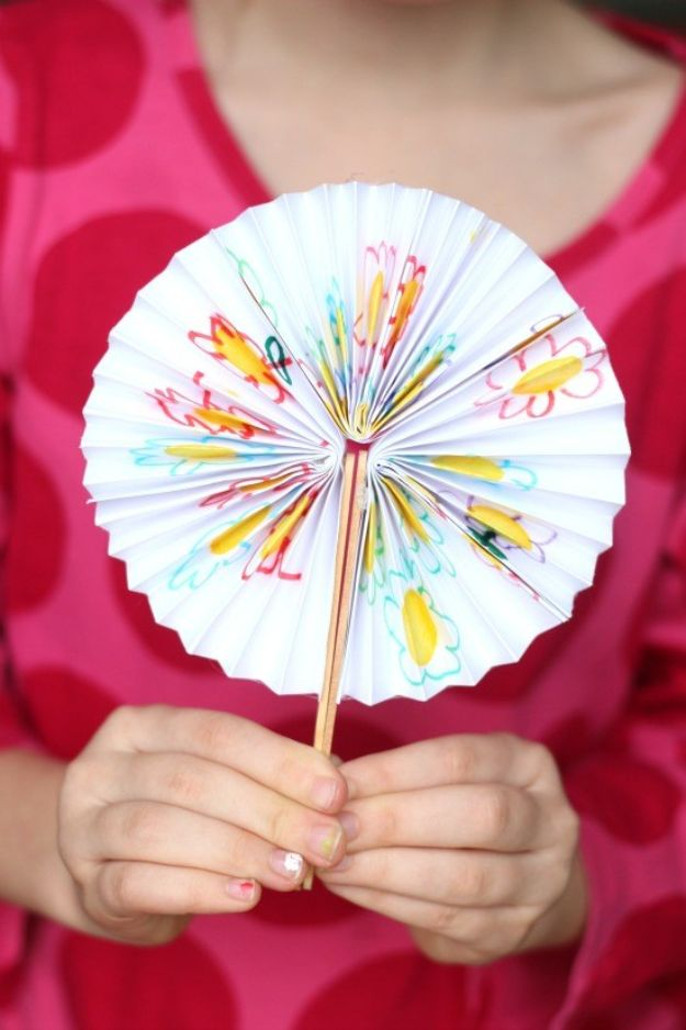 Paper Crafts DIY - DIY Pocket Fan - Papercraft Tutorials and Easy Projects for Make for Decoration and Gift IDeas - Origami, Paper Flowers, Heart Decoration, Scrapbook Notions, Wall Art, Christmas Cards, Step by Step Tutorials for Crafts Made From Papers #crafts