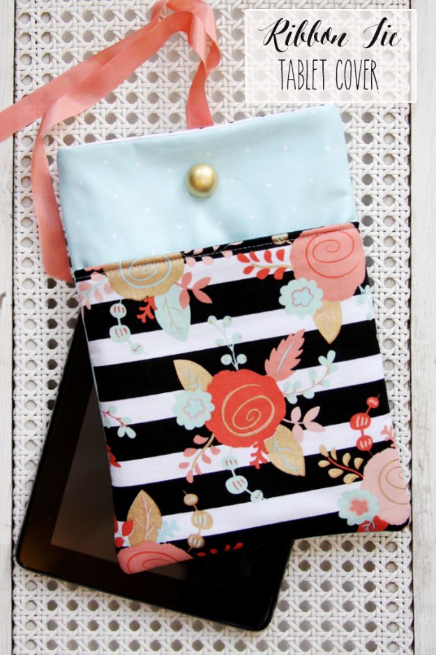 Cheap DIY Gift Ideas - DIY Tablet Case - List of Handmade Gifts on A Budget and Inexpensive Christmas Presents - Do It Yourself Gift Idea for Family and Friends, Mom and Dad, For Guys and Women, Boyfriend, Girlfriend, BFF, Kids and Teens - Dollar Store and Dollar Tree Crafts, Home Decor, Room Accessories and Fun Things to Make At Home http://diyjoy.com/cheap-diy-gift-ideas