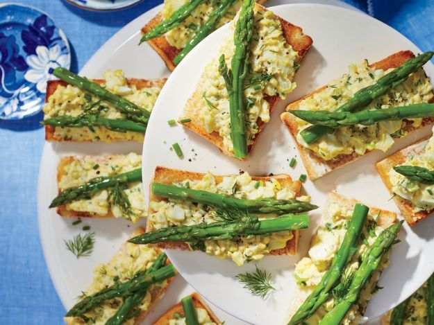 Asparagus Recipes - Deviled Egg Salad and Asparagus Tartines - DIY Asparagus Recipe Ideas for Homemade Soups, Sides and Salads - Easy Tutorials for Roasted, Sauteed, Steamed, Baked, Grilled and Pureed Asparagus - Party Foods, Quick Dinners, Dishes With Cheese, Vegetarian and Vegan Options - Healthy Recipes With Step by Step Instructions http://diyjoy.com/asparagus-recipes