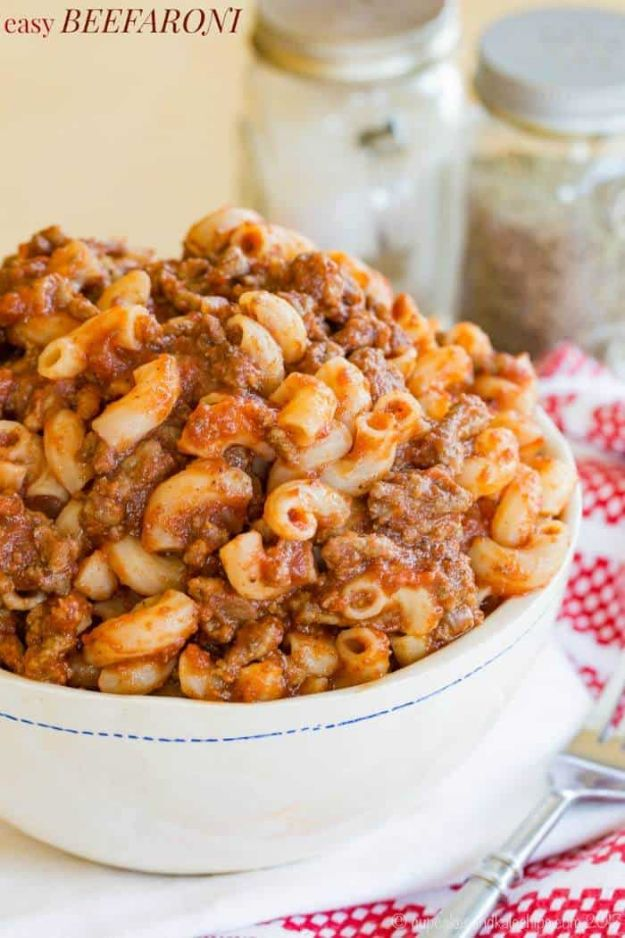 Best Italian Recipes - Easy Beefaroni - Authentic and Traditional italian dishes For Dinner, Appetizers, and Easy Lunch - Pasta with Chicken, Lasagna, Noodles With Cheese, Healthy Recipe Ideas - Party Trays and Food For A Crowd - Fettucini, Spaghetti, Alfredo Sauce, Meatballs, Grilled Steak and Fish, Soup, Seafood, Vegetarian and Crockpot Versions #italian #italianfood #recipes #italianrecipes http://diyjoy.com/best-italian-recipes