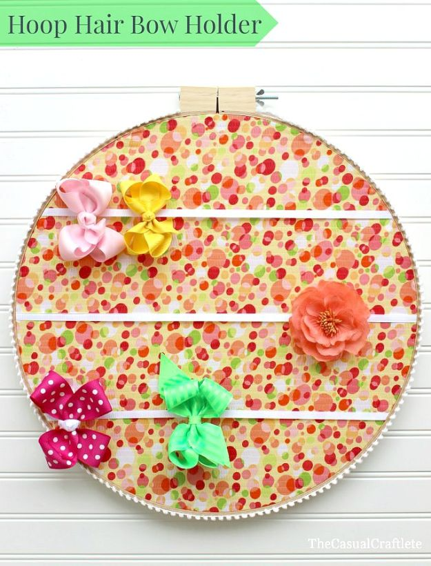 Cheap DIY Gift Ideas - Embroidery Hoop Hair Bow Holder - List of Handmade Gifts on A Budget and Inexpensive Christmas Presents - Do It Yourself Gift Idea for Family and Friends, Mom and Dad, For Guys and Women, Boyfriend, Girlfriend, BFF, Kids and Teens - Dollar Store and Dollar Tree Crafts, Home Decor, Room Accessories and Fun Things to Make At Home http://diyjoy.com/cheap-diy-gift-ideas