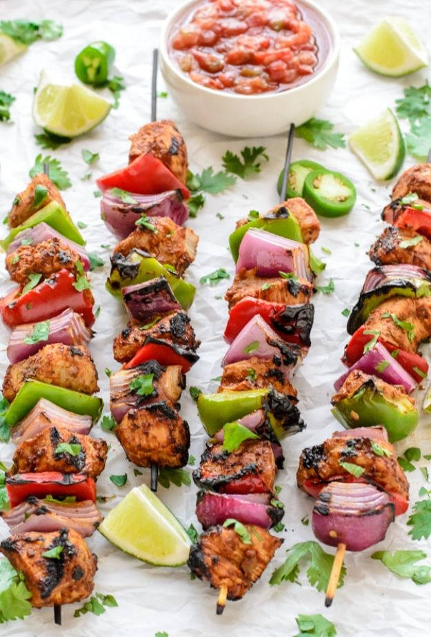 Easy Healthy Chicken Recipes - Fajita Chicken Kebabs - Lunch and Dinner Ideas, Party Foods and Casseroles, Idea for the Grill and Salads- Chicken Breast, Baked, Roastedf and Grilled Chicken - Add Shrimp, Penne Pasta, Beef, Sausage - Glazed, Barbecue and Instant Pot, Crockpot Chicken Dishes and Recipe Ideas http://diyjoy.com/easy-healthy-chicken-recipes