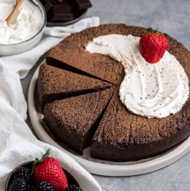 Chocolate Desserts and Recipe Ideas - Flourless Chocolate Truffle Cake - Easy Chocolate Recipes With Mint, Peanut Butter and Caramel - Quick No Bake Dessert Idea, Healthy Desserts, Cake, Brownies, Pie and Mousse - Best Fancy Chocolates to Serve for Two, A Crowd, and Simple Snacks http://diyjoy.com/chocolate-dessert-recipes