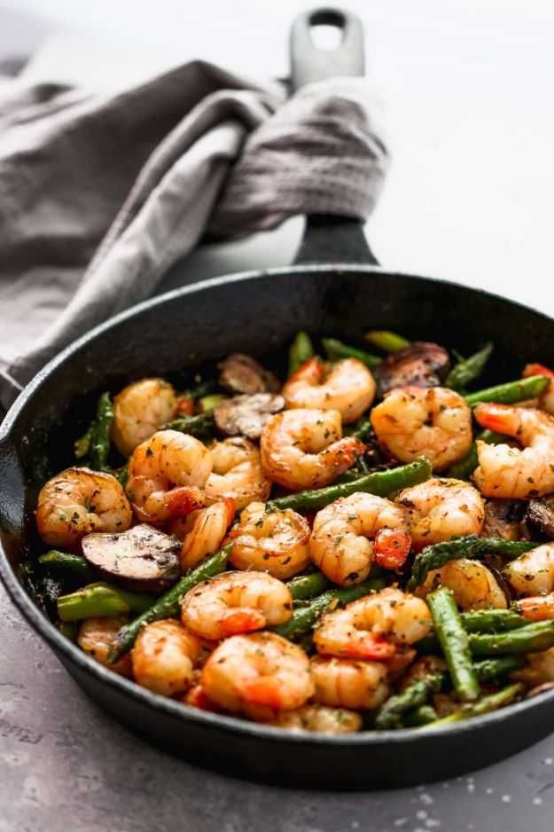 Asparagus Recipes - Garlic Shrimp Asparagus Skillet - DIY Asparagus Recipe Ideas for Homemade Soups, Sides and Salads - Easy Tutorials for Roasted, Sauteed, Steamed, Baked, Grilled and Pureed Asparagus - Party Foods, Quick Dinners, Dishes With Cheese, Vegetarian and Vegan Options - Healthy Recipes With Step by Step Instructions http://diyjoy.com/asparagus-recipes