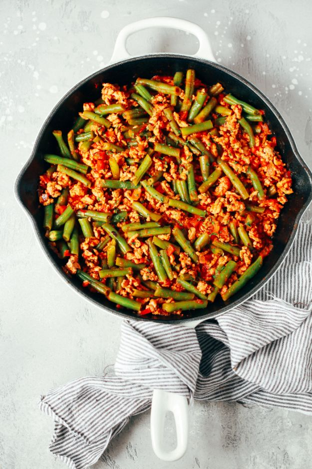 Easy Dinner Recipes - Ground Turkey Skillet with Green Beans - Quick and Simple Dinner Recipe Ideas for Weeknight and Last Minute Supper - Chicken, Ground Beef, Fish, Pasta, Healthy Salads, Low Fat and Vegetarian Dishes #easyrecipes #dinnerideas #recipes