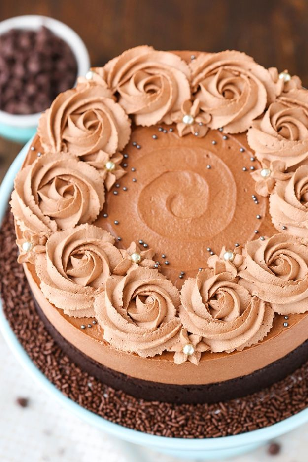 Chocolate Desserts and Recipe Ideas - Guinness Chocolate Mousse Cake - Easy Chocolate Recipes With Mint, Peanut Butter and Caramel - Quick No Bake Dessert Idea, Healthy Desserts, Cake, Brownies, Pie and Mousse - Best Fancy Chocolates to Serve for Two, A Crowd, and Simple Snacks http://diyjoy.com/chocolate-dessert-recipes