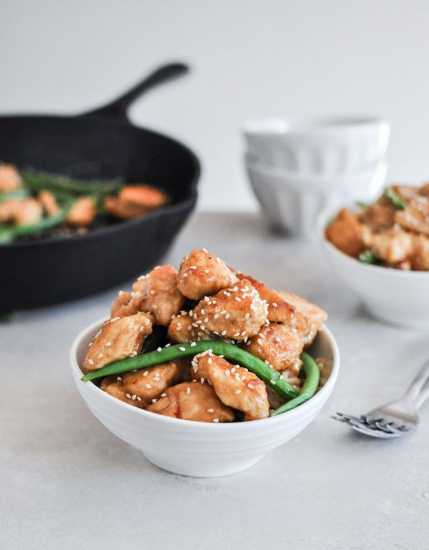 Easy Healthy Chicken Recipes - Healthy Sesame Chicken Skillet - Lunch and Dinner Ideas, Party Foods and Casseroles, Idea for the Grill and Salads- Chicken Breast, Baked, Roastedf and Grilled Chicken #recipes #healthy #chicken