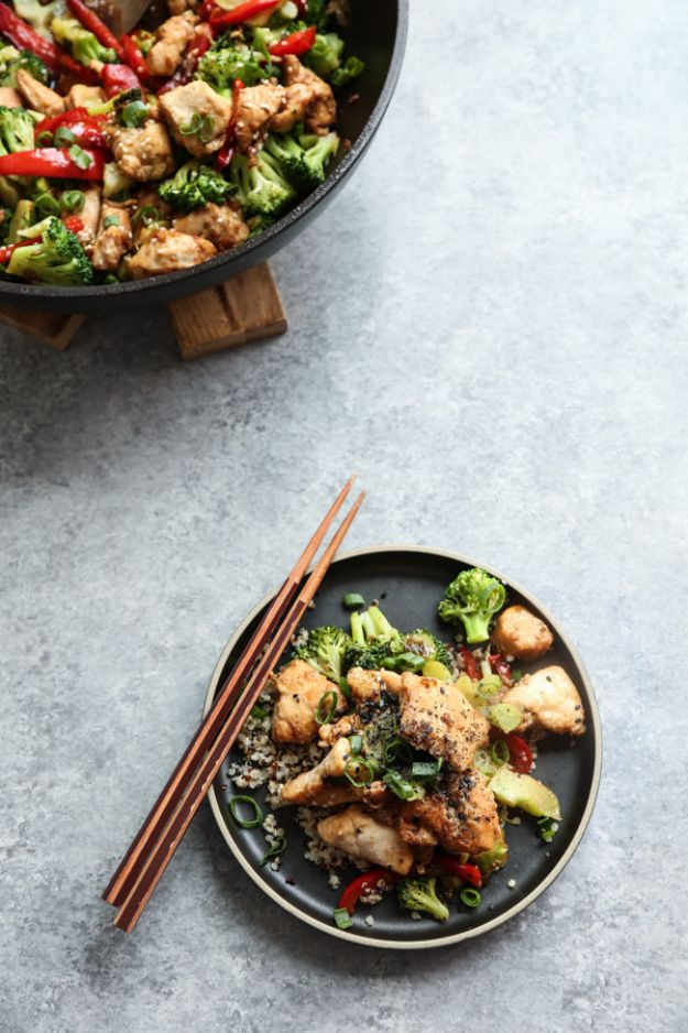 Easy Healthy Chicken Recipes - Healthy Sesame Chicken with Broccoli - Lunch and Dinner Ideas, Party Foods and Casseroles, Idea for the Grill and Salads- Chicken Breast, Baked, Roastedf and Grilled Chicken - Add Shrimp, Penne Pasta, Beef, Sausage - Glazed, Barbecue and Instant Pot, Crockpot Chicken Dishes and Recipe Ideas http://diyjoy.com/easy-healthy-chicken-recipes