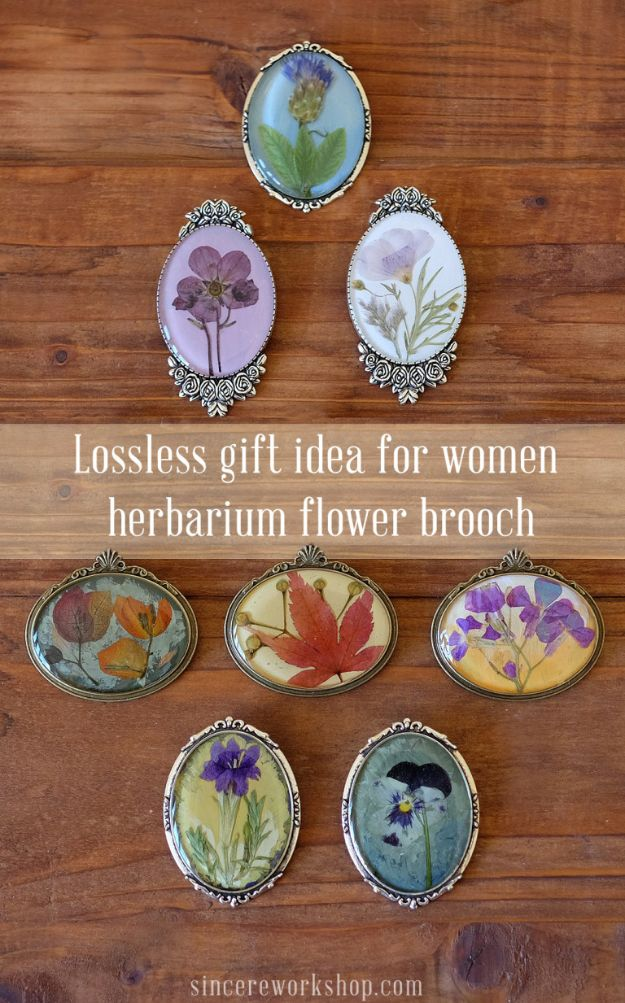 DIY Resin Casting Crafts - Herbarium Flower Brooch - Homemade Resin and Epoxy Craft Projects and Ideas - How to Make Resin Jewelry - Use Silicon Molds to Make Paper Weights, Creative Christmas Ornaments and Crafts to Make and Sell - Flowers, Pictures, Clocks, Tabletop, Inspiration for Handmade Jewelry and Items to Sell on Etsy #crafts