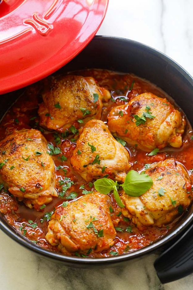 Best Italian Recipes - Italian Braised Chicken - Authentic and Traditional italian dishes For Dinner, Appetizers, and Easy Lunch - Pasta with Chicken, Lasagna, Noodles With Cheese, Healthy Recipe Ideas - Party Trays and Food For A Crowd - Fettucini, Spaghetti, Alfredo Sauce, Meatballs, Grilled Steak and Fish, Soup, Seafood, Vegetarian and Crockpot Versions #italian #italianfood #recipes #italianrecipes http://diyjoy.com/best-italian-recipes