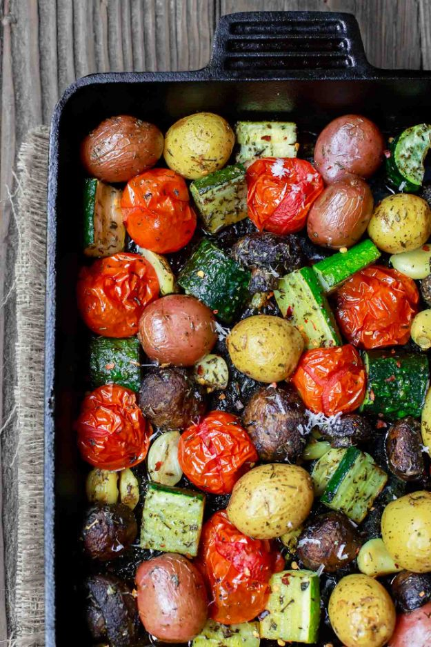Best Italian Recipes - Italian Oven Roasted Vegetables - Authentic and Traditional italian dishes For Dinner, Appetizers, and Easy Lunch - Pasta with Chicken, Lasagna, Noodles With Cheese, Healthy Recipe Ideas - Party Trays and Food For A Crowd - Fettucini, Spaghetti, Alfredo Sauce, Meatballs, Grilled Steak and Fish, Soup, Seafood, Vegetarian and Crockpot Versions #italian #italianfood #recipes #italianrecipes http://diyjoy.com/best-italian-recipes