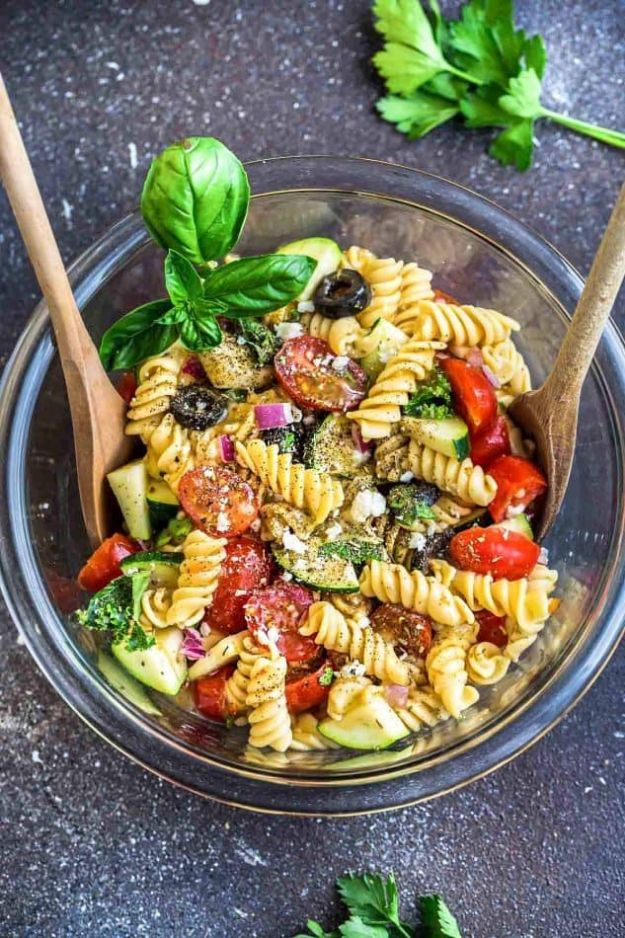 Best Italian Recipes - Italian Pasta Salad - Authentic and Traditional italian dishes For Dinner, Appetizers, and Easy Lunch - Pasta with Chicken, Lasagna, Noodles With Cheese, Healthy Recipe Ideas - Party Trays and Food For A Crowd - Fettucini, Spaghetti, Alfredo Sauce, Meatballs, Grilled Steak and Fish, Soup, Seafood, Vegetarian and Crockpot Versions #italian #italianfood #recipes #italianrecipes http://diyjoy.com/best-italian-recipes