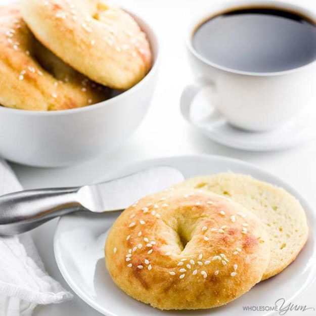 Keto Breakfast Recipes - Keto Bagels With Fathead Dough - Low Carb Breakfasts and Morning Meals for the Ketogenic Diet - Low Carbohydrate Foods on the Go - Easy Crockpot Recipes and Casserole - Muffins and Pancakes, Shake and Smoothie, Ideas With No Eggs http://diyjoy.com/keto-breakfast-recipes
