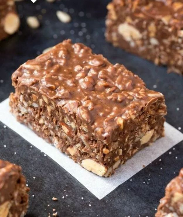 Keto Dessert Recipes - Keto Chocolate Crunch Bars - Easy Ketogenic Diet Dessert Recipes and Recipe Ideas - Shakes, Cakes In A Mug, Low Carb Brownies, Gluten Free Cookies #keto #ketorecipes #desserts