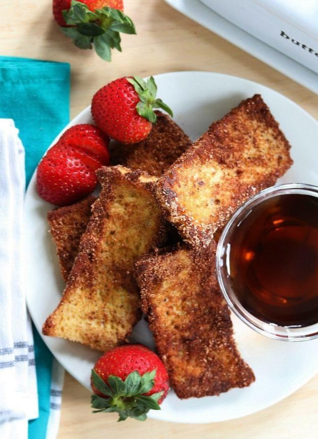 Keto Breakfast Recipes - Keto French Toast Sticks - Low Carb Breakfasts and Morning Meals for the Ketogenic Diet - Low Carbohydrate Foods on the Go - Easy Crockpot Recipes and Casserole - Muffins and Pancakes, Shake and Smoothie, Ideas With No Eggs #keto
