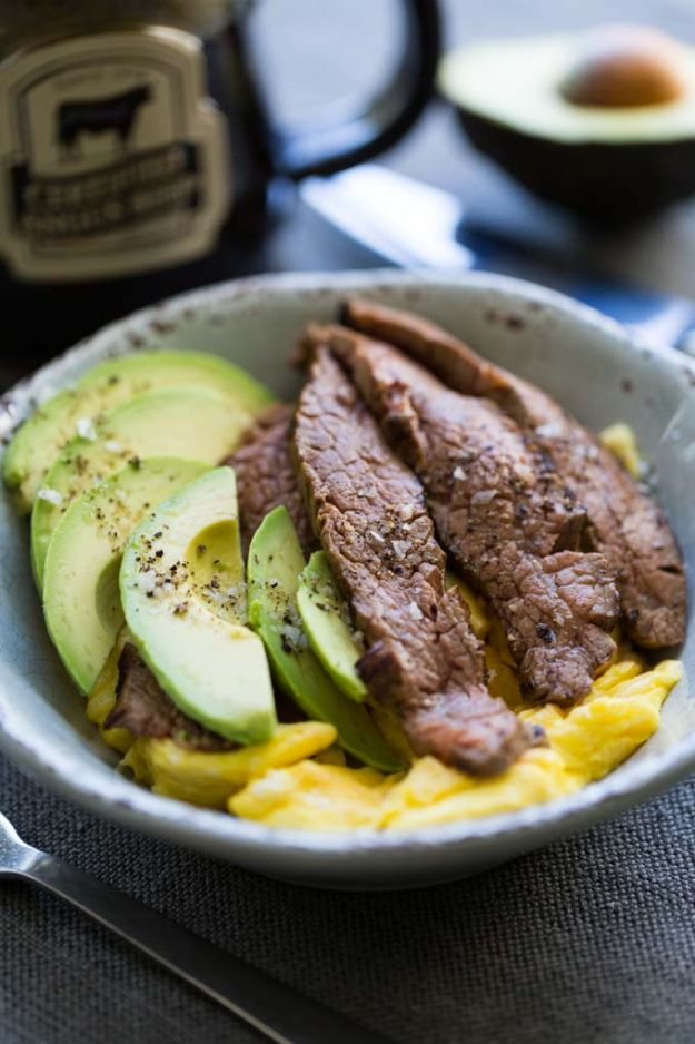 Keto Breakfast Recipes - Keto Friendly Steak and Egg Breakfast Bowl - Low Carb Breakfasts and Morning Meals for the Ketogenic Diet - Low Carbohydrate Foods on the Go - Easy Crockpot Recipes and Casserole - Muffins and Pancakes, Shake and Smoothie, Ideas With No Eggs http://diyjoy.com/keto-breakfast-recipes