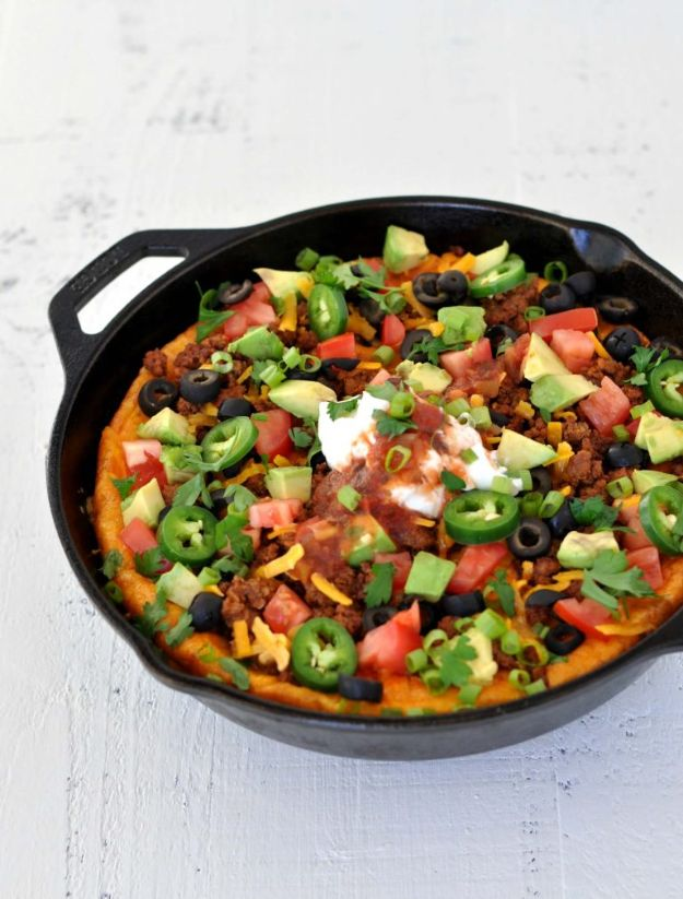 Keto Breakfast Recipes - Keto Taco Breakfast Skillet - Low Carb Breakfasts and Morning Meals for the Ketogenic Diet - Low Carbohydrate Foods on the Go - Easy Crockpot Recipes and Casserole - Muffins and Pancakes, Shake and Smoothie, Ideas With No Eggs http://diyjoy.com/keto-breakfast-recipes