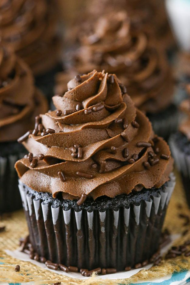 Chocolate Desserts and Recipe Ideas - Moist Chocolate Cupcakes - Easy Chocolate Recipes With Mint, Peanut Butter and Caramel - Quick No Bake Dessert Idea, Healthy Desserts, Cake, Brownies, Pie and Mousse - Best Fancy Chocolates to Serve for Two, A Crowd, and Simple Snacks http://diyjoy.com/chocolate-dessert-recipes