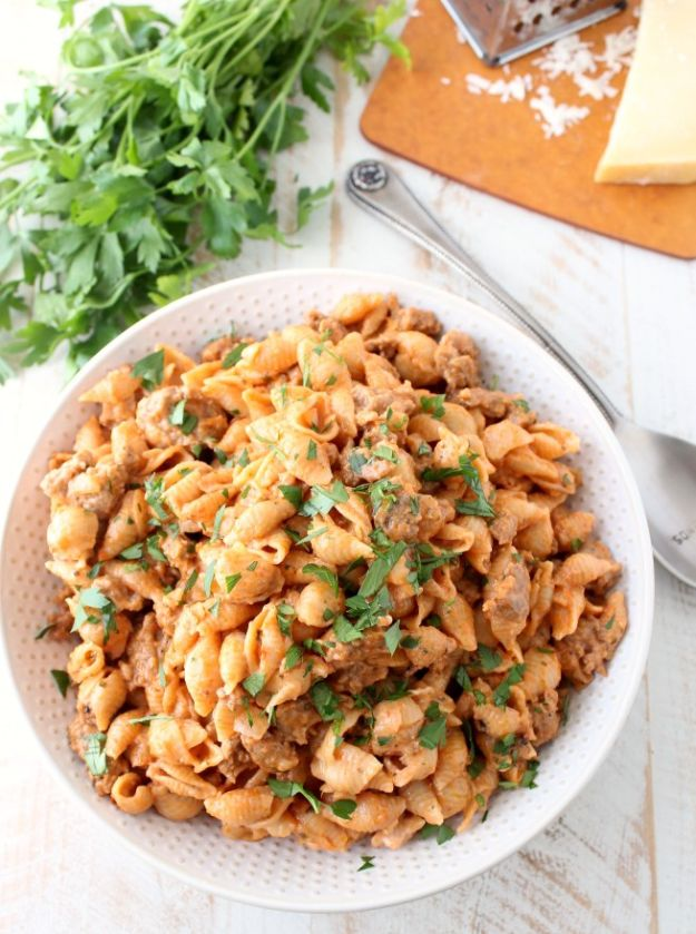 Best Pasta Recipes - One Pot Italian Sausage Shells and Cheese - Easy Pasta Recipe Ideas for Dinner, Lunch and Party Foods - Healthy and Easy Pastas With Shrimp, Beef, Chicken, Sausage, Tomato and Vegetarian - Creamy Alfredo, Marinara Red Sauce - Homemade Sauces and One Pot Meals for Quick Prep - Penne, Fettucini, Spaghetti, Ziti and Angel Hair http://diyjoy.com/pasta-recipes