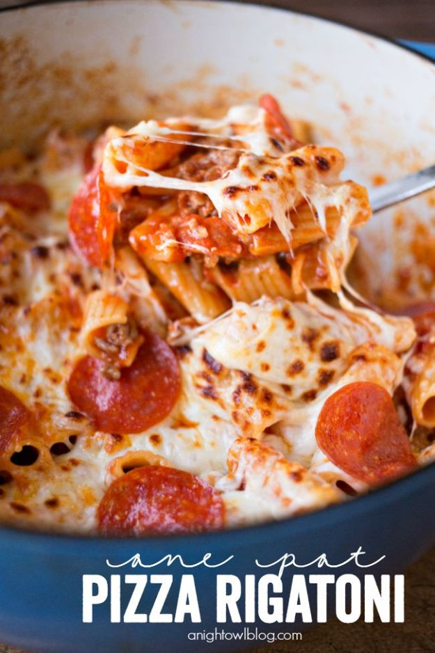 Easy Dinner Recipes - One Pot Pizza Rigatoni - Quick and Simple Dinner Recipe Ideas for Weeknight and Last Minute Supper - Chicken, Ground Beef, Fish, Pasta, Healthy Salads, Low Fat and Vegetarian Dishes - Easy Meals for the Family, for Two, for One and Cook Ahead Crockpoit Dinners - Cheap Casseroles and Budget Friendly Foods to Make at Home http://diyjoy.com/easy-dinner-recipes
