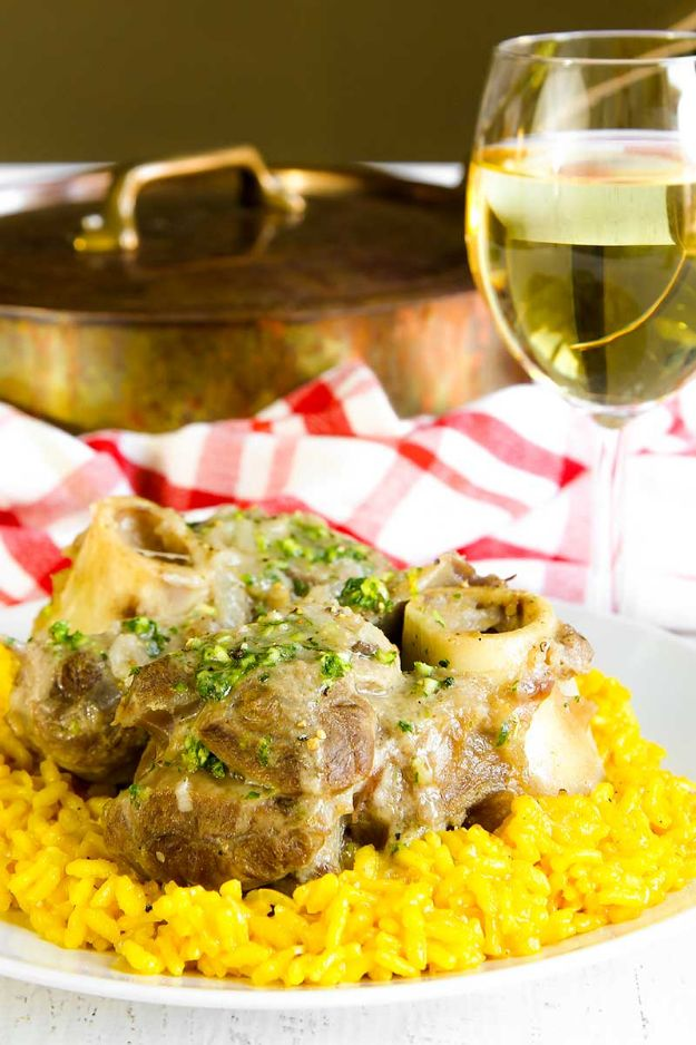 Best Italian Recipes - Osso Buco - Authentic and Traditional italian dishes For Dinner, Appetizers, and Easy Lunch - Pasta with Chicken, Lasagna, Noodles With Cheese, Healthy Recipe Ideas - Party Trays and Food For A Crowd - Fettucini, Spaghetti, Alfredo Sauce, Meatballs, Grilled Steak and Fish, Soup, Seafood, Vegetarian and Crockpot Versions #italian #italianfood #recipes #italianrecipes http://diyjoy.com/best-italian-recipes