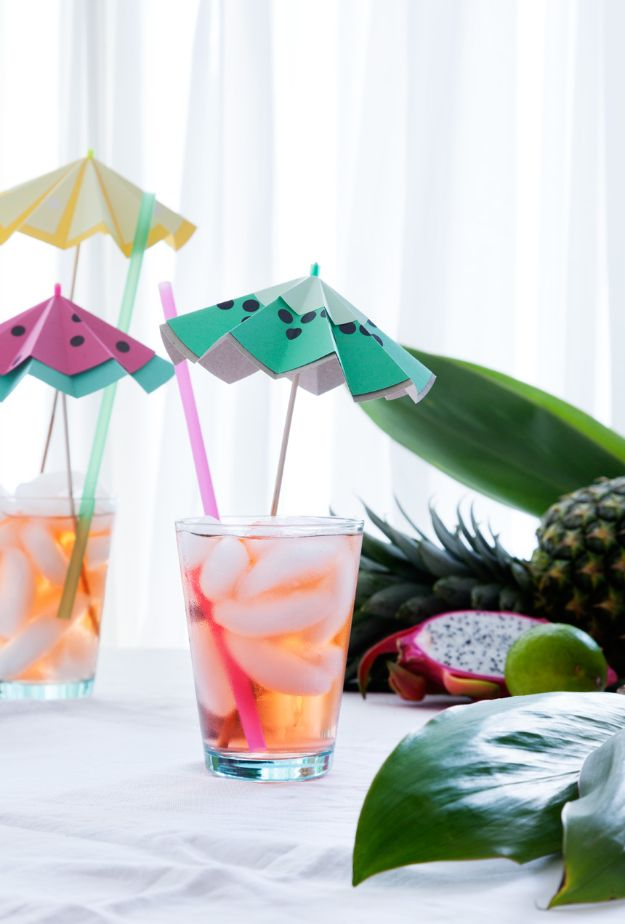 Paper Crafts DIY - Paper Cocktails Umbrella - Papercraft Tutorials and Easy Projects for Make for Decoration and Gift IDeas - Origami, Paper Flowers, Heart Decoration, Scrapbook Notions, Wall Art, Christmas Cards, Step by Step Tutorials for Crafts Made From Papers  #crafts