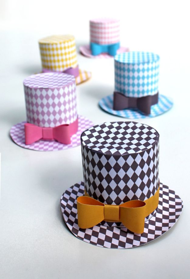 Paper Crafts DIY - Paper Mini Top Hats - Papercraft Tutorials and Easy Projects for Make for Decoration and Gift IDeas - Origami, Paper Flowers, Heart Decoration, Scrapbook Notions, Wall Art, Christmas Cards, Step by Step Tutorials for Crafts Made From Papers http://diyjoy.com/paper-crafts-diy
