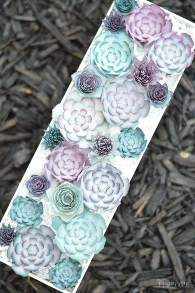 Paper Crafts DIY - Paper Succulent Centerpiece - Papercraft Tutorials and Easy Projects for Make for Decoration and Gift IDeas - Origami, Paper Flowers, Heart Decoration, Scrapbook Notions, Wall Art, Christmas Cards, Step by Step Tutorials for Crafts Made From Papers #crafts