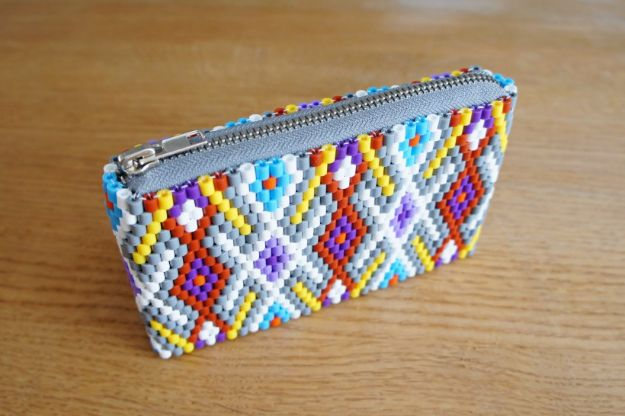 DIY perler bead crafts - Perler Purse - Cute Accessories and Homemade Decor That Make Creative DIY Gifts - Plastic Melted Beads Make Cool Art for Walls, Jewelry and Things To Make When You are Bored #diy #crafts