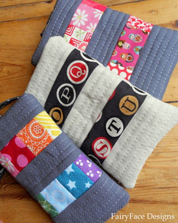 Cheap DIY Gift Ideas - Phone Cozy - List of Handmade Gifts on A Budget and Inexpensive Christmas Presents - Do It Yourself Gift Idea for Family and Friends, Mom and Dad, For Guys and Women, Boyfriend, Girlfriend, BFF, Kids and Teens - Dollar Store and Dollar Tree Crafts, Home Decor, Room Accessories and Fun Things to Make At Home http://diyjoy.com/cheap-diy-gift-ideas