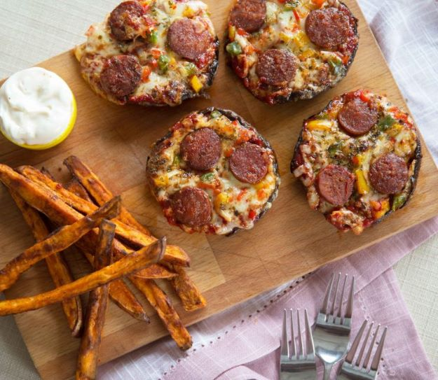 Keto Snacks - Pizza Stuffed Portobello Mushrooms – Keto Friendly - Keto Snack Recipes and Easy Low Carb Foods for the Ketogenic Diet On the Go - Quick Things to Eat for Snacking on Keto - Crunchy Chips, Late Night, Simple Ideas for Work, Sweet Treats and Store Bought Things to Buy for Travel http://diyjoy.com/keto-snacks