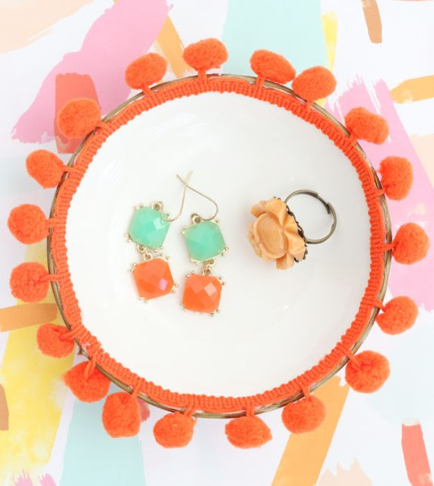 Cheap DIY Gift Ideas - Pom Pom Jewelry Organizers - List of Handmade Gifts on A Budget and Inexpensive Christmas Presents - Do It Yourself Gift Idea for Family and Friends, Mom and Dad, For Guys and Women, Boyfriend, Girlfriend, BFF, Kids and Teens - Dollar Store and Dollar Tree Crafts, Home Decor, Room Accessories and Fun Things to Make At Home #diygifts #christmas #giftideas #diy