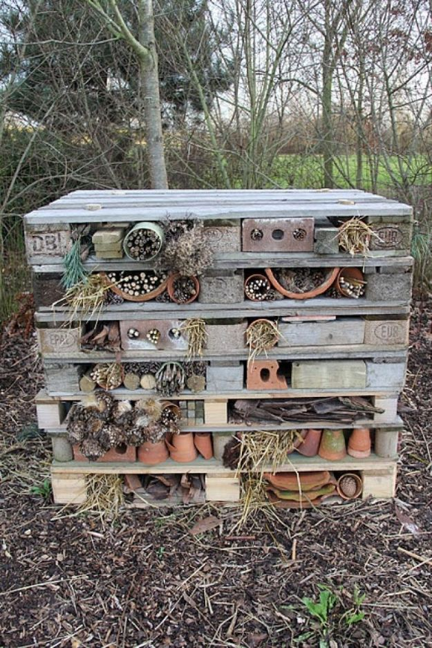DIY Ideas With Bricks - Recyled Brick Bug Hotel - Home Decor and Creative Do It Yourself Projects to Make With Bricks - Ideas for Patio, Walkway, Fireplace, Firepit, Mantle, Grill and Art - Inexpensive Decoration Tutorials With Step By Step Instruction for Brick DIY #diy #homeimprovement